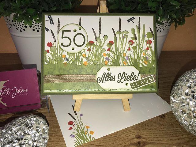 """Nun darf ich diese Karte auch zeigen, auch von mir noch herzliche Glückwünsche zum 50.🍾! Gewünscht war eine Karte für einen Gartenfreund, hier habe ich direkt an eine Wildblumenwiese gedacht. Verwendet habe ich das Produktpaket """"Alles Liebe"""" und den Farbkarton Pergament aus """"Florale Träume"""". Blumen gehen auch für Männer . #julamé #stampinup #werbung #50geburtstag #produktpaketallesliebe #floraleträume #männerkarte #glückwunschkarte #lovemyjob"""
